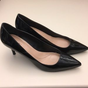 Tahari pointed-toe black patent pumps (size 8 1/2)